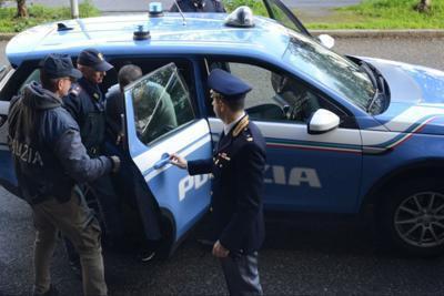 Poliziotti accerchiati a Tor Bella Monaca, il video esclusivo